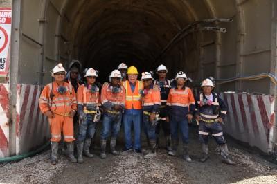 Isa Conde visita primer modelo de minería subterránea en RD