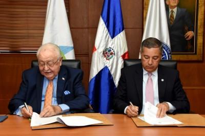 Ministerio de Hacienda y Energía y Minas suscriben resolución para garantizar electricidad a entidades de servicios públicos