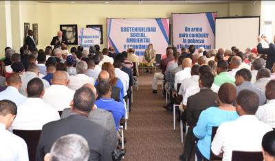 Isa Conde desarrolla diálogo con comunidades mineras de 27 provincias