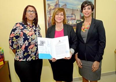 El MEM entrega tres concesiones de exploración en San Juan y Peravia