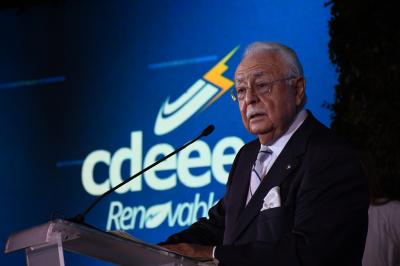 Isa Conde lanza reto para lograr 630 MW en renovables a 2020