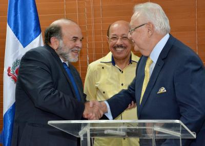 Toma de posesión Antonio Isa Conde como nuevo Ministro de Energía y Minas