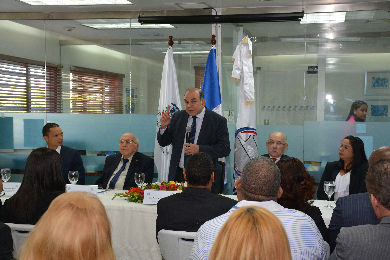 La Dirección General de Ética e Integridad Gubernamental juramenta Comité de Ética del Ministerio de Energía y Minas
