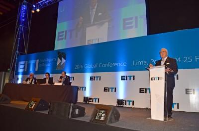 RD se compromete a convertir industrias extractivas en motor de desarrollo con beneficios sociales