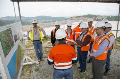 Ministerio de Energía y Minas visita presa El Llagal de Barrick Pueblo Viejo
