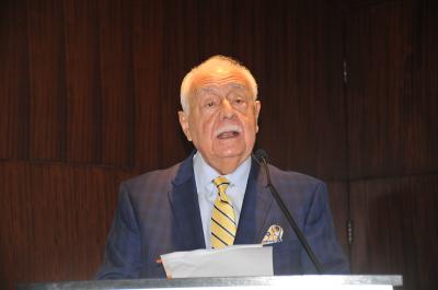Antonio Isa Conde: La formalización ayudará a mineros de ámbar y larimar a aprovechar riquezas