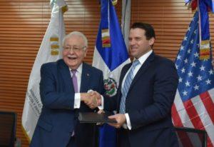 Energía y Minas firma contrato con Wood Mackenzie para realizar ronda petrolera