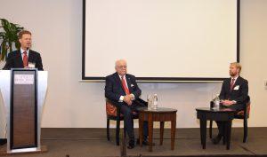 Isa Conde explica las dos prioridades del Gobierno en materia de gas