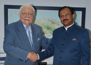 Isa Conde trata cooperación en renovables con Ministro de Estado de Asuntos Exteriores de La India