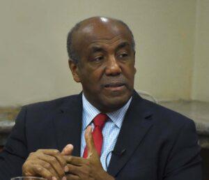 Ministro Almonte afirma Gobierno no ha mostrado ningún interés en vender planta de Punta Catalina
