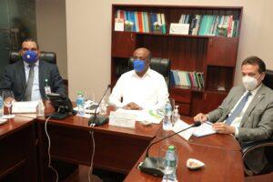 Ministro Antonio Almonte preside reunión ordinaria Directorio CNE
