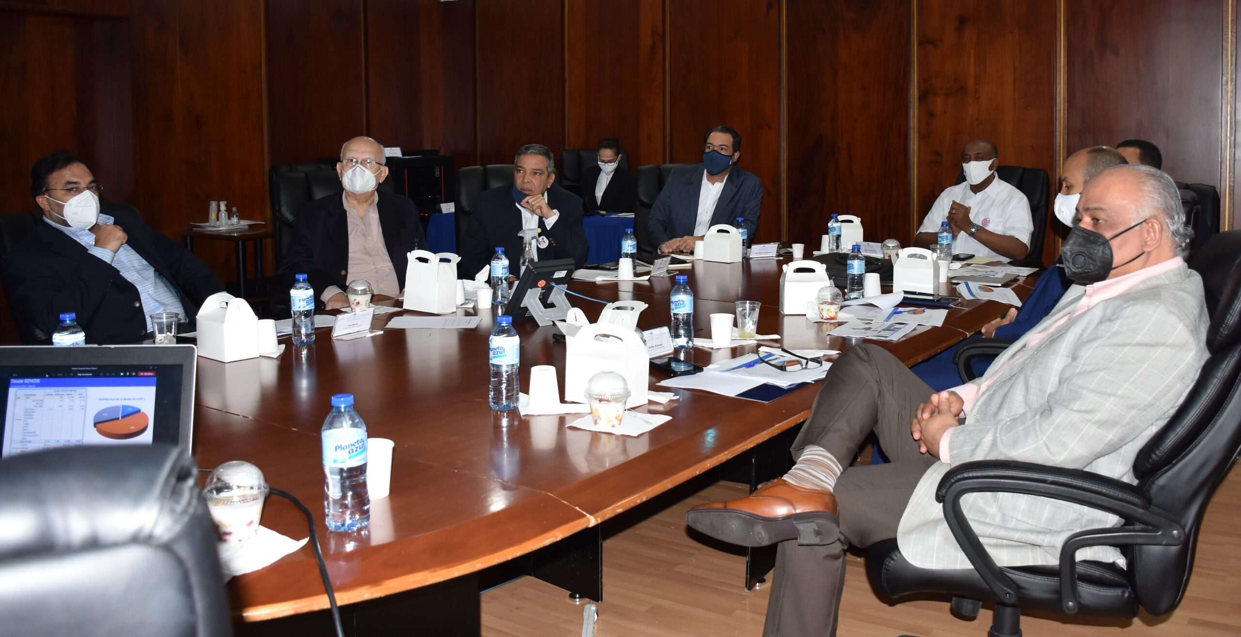 Autoridades analizan situación energética de RD