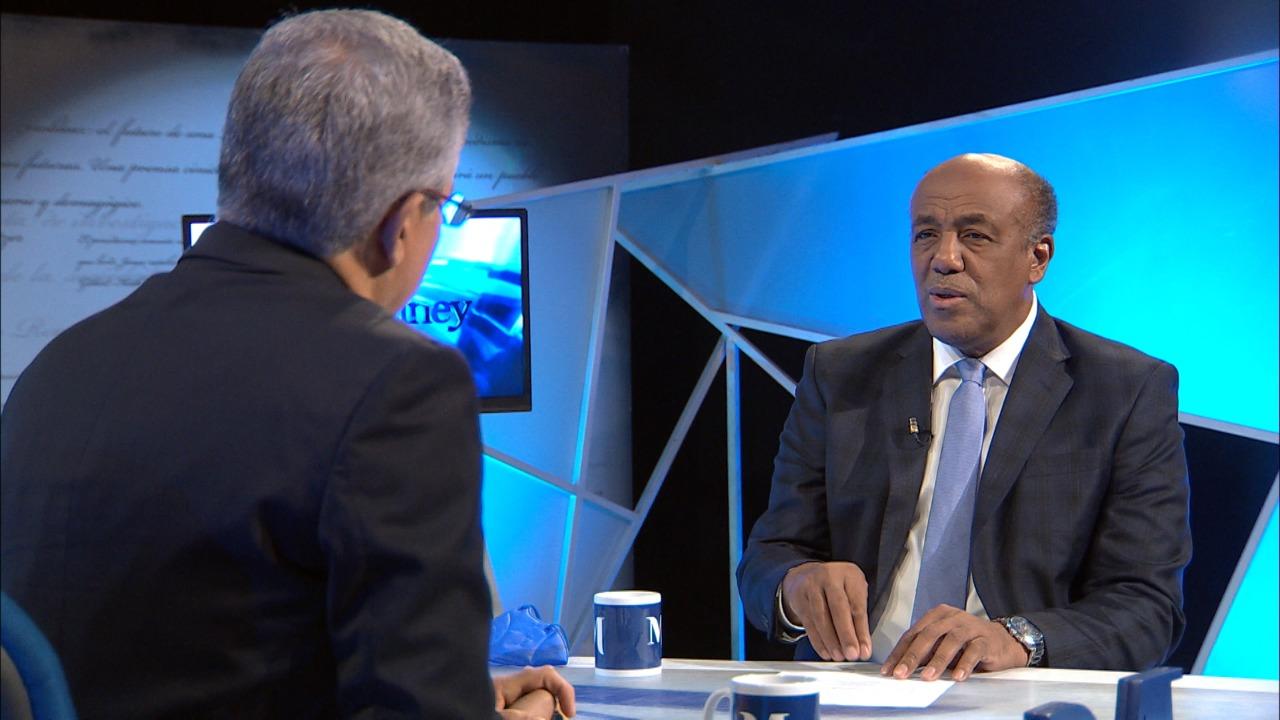 Antonio Almonte Ministro Energía y Minas al Gobierno no le interesa construir plantas eléctricas