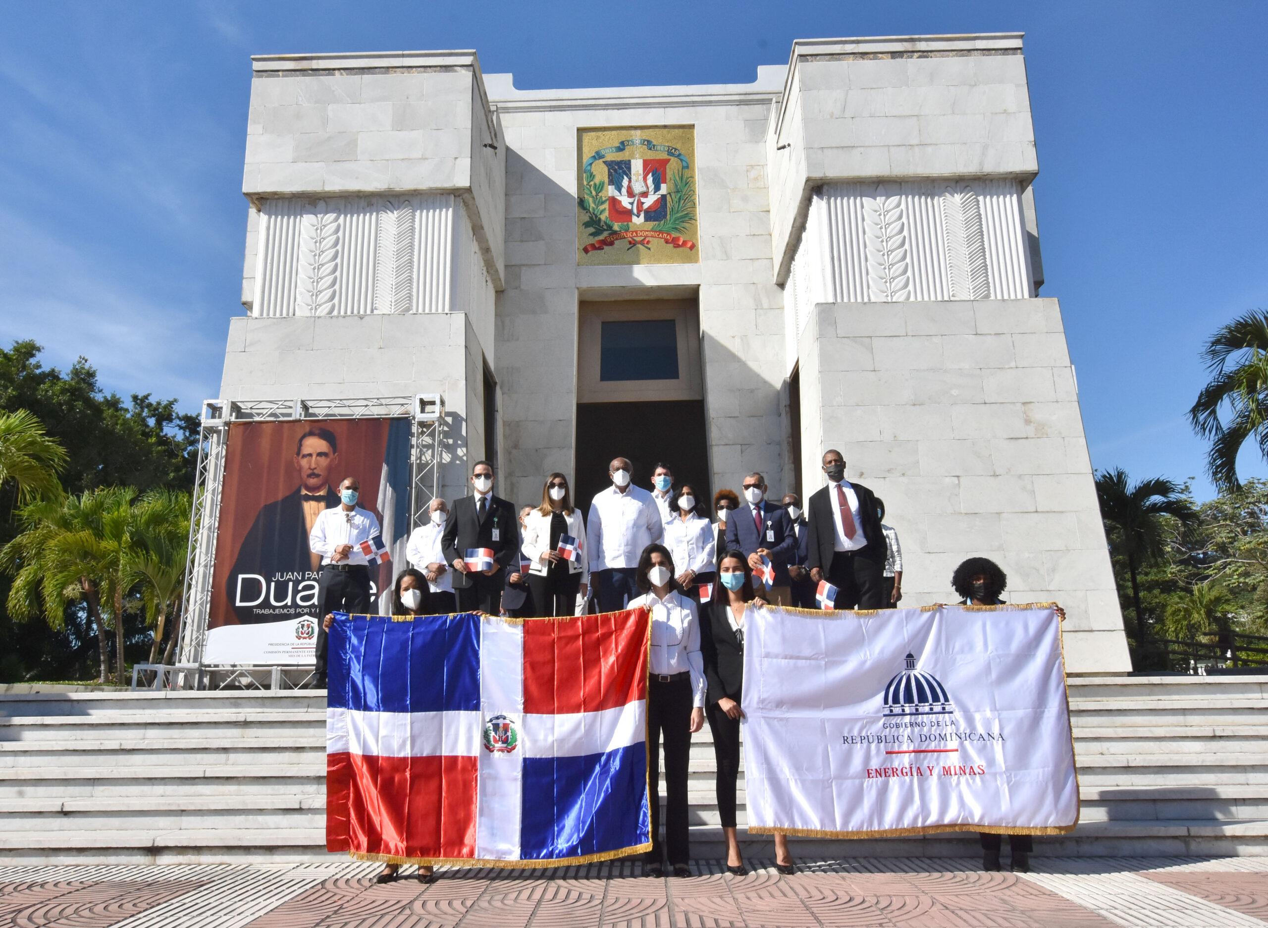 Almonte: desde el MEM se hace patria con la defensa del interés nacional