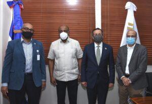 Almonte recibe visita de cortesía de ministro de Medio Ambiente