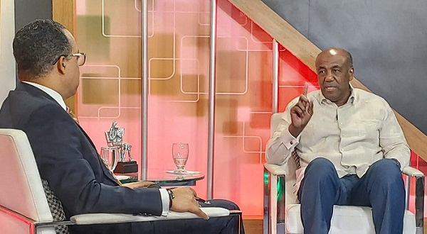 Ministro Almonte rechaza Pacto Eléctrico sea Para beneficiar las élites económicas del país